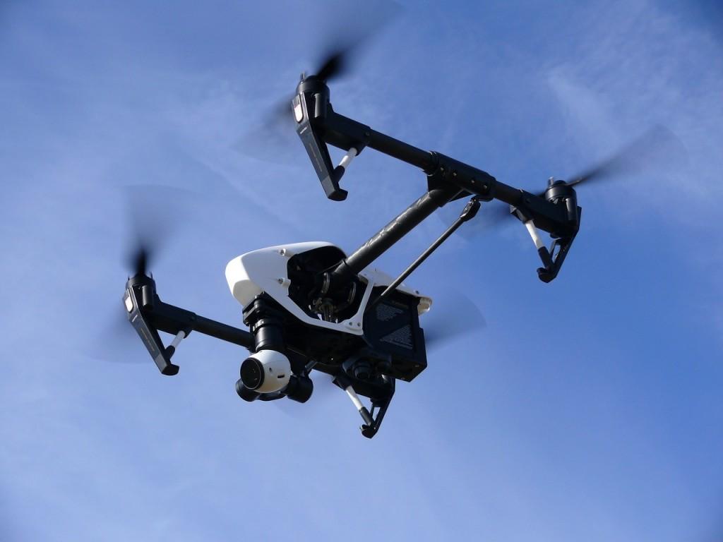 drone-1006886_1280