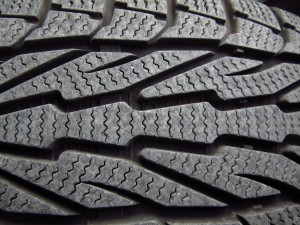 winter-tires-1011442_1920